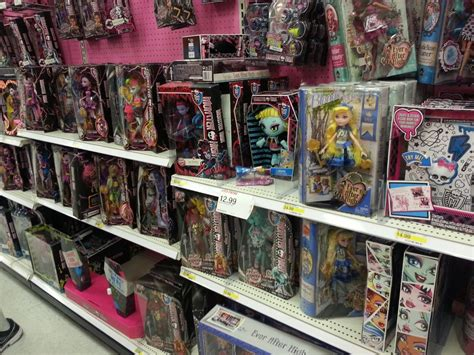 monster high doll house toys r us doll hunting for ever after high and monster high at hot topic target and toys r us