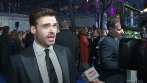 bodyguard actor game of thrones bodyguard star richard madden plans to escape from