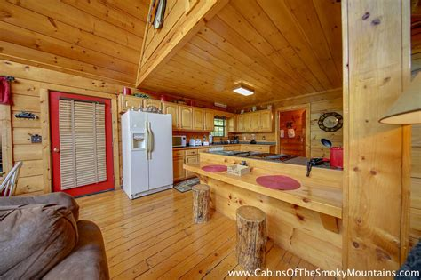 2 bedroom condos in pigeon forge tn 2 bedroom cabins in pigeon forge tn