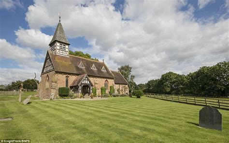 A Place Looks Like Grade Ii Listed Former Warwick Church Goes On Sale For 163 725k After Restoration Daily Mail