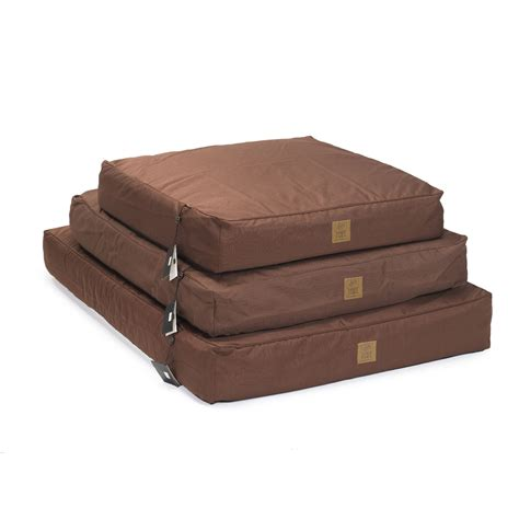 house paws waterproof dog beds next day delivery waterproof dog beds from worldstores