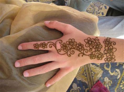 gambar tato di punggung laki laki kumpulan desain tato henna dan filosofinya bergambar tato