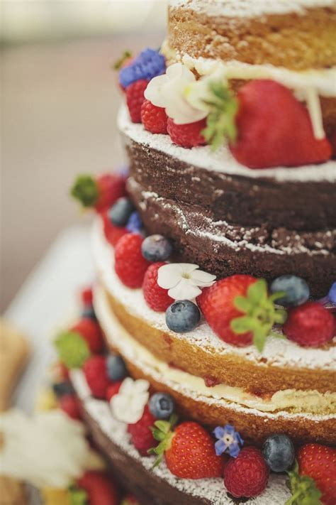 Best 25  Victoria sponge wedding cake ideas on Pinterest