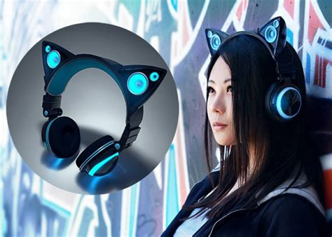 Cute Speakers by Axent Wear Cat Ear Headphones Raise Over 770 000 In Under