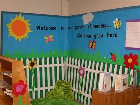 Garden Decoration For Classroom by For A Bee Or Garden Theme Classroom Or A