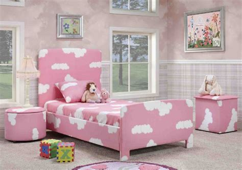 Bed Bigland Flora White lovable bedroom with floral painting and pink