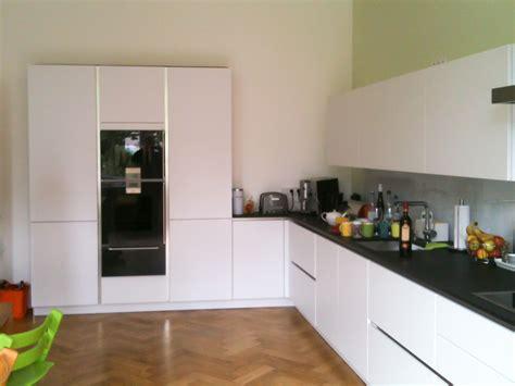 küche mit granitarbeitsplatte nischenr 252 ckwand k 252 che