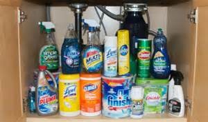 dangerous household chemicals common cleaner toxins cleaning up cleaners