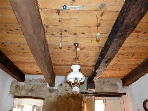 illuminare coi led ancienne maison r 233 nov 233 e avec plafond en bois 224 vendre 224