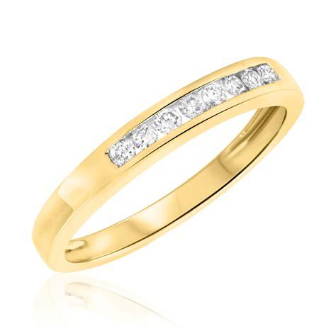 1/6 CT. T.W. Diamond Women's Wedding Band 10K Yellow Gold