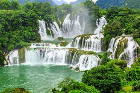 waterfalls in the world pictures of power the 14 most amazing waterfalls in the
