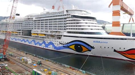 Can I Work On A Cruise Ship With A Criminal Record Stunning Timelapse Shows 163 450m Cruise Ship Being Built