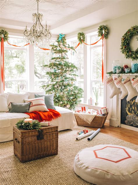 arrange living room with christmas tree 15 beautiful ways to decorate the living room for christmas