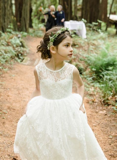 hairstyles for a garden party 15 gorgeous flower girl hairstyles brit co