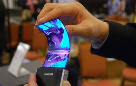 samsung may launch a bendable smartphone as early as 2017