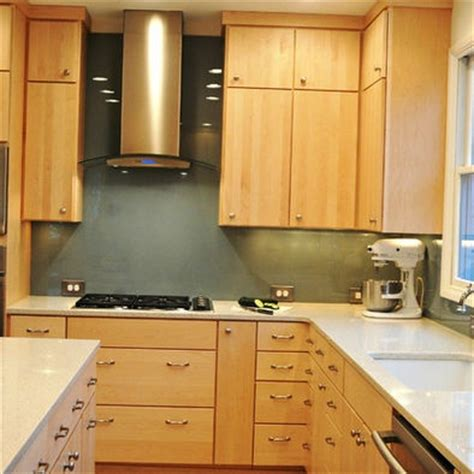 blonde cabinets kitchen 1000 images about kitchen remodels on pinterest stains sarah richardson and white quartz