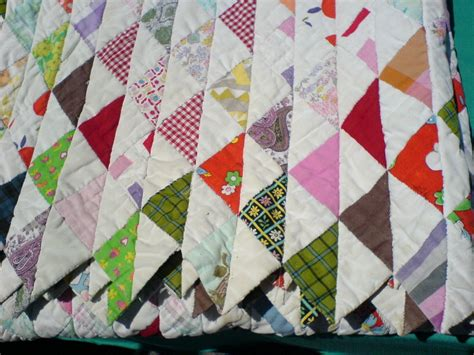 File Quilt With Triangle Pattern Jpg Wikimedia Commons Triangulations Template Quilt Pattern