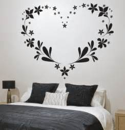 Simple Bed Room Wall Decoration