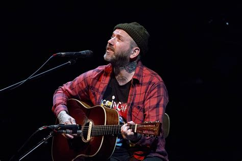 the city and color city and colour brings a mellow acoustic set to vernon