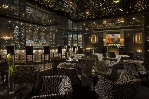 Man Cave Bar by Luxury Cigar Clubs Around The World Ealuxe Com