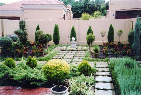 urban backyard ideas urban gardening ideas