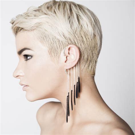 how to wear hair the ears top 20 fashion ear cuffs decoholic