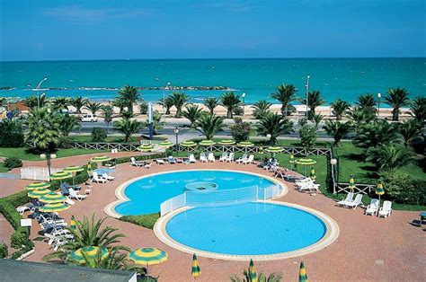 club le terrazze club resort le terrazze vacanze marche villaggi offerte