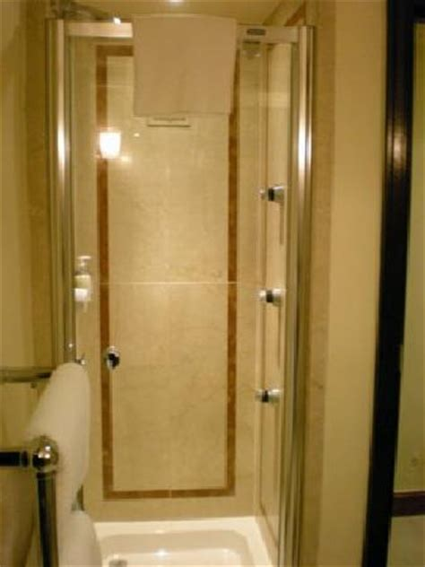 Stand Alone Shower by 4 With A Great Location Radisson Edwardian