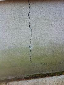 Exterior Foundation And Veneer Cracks Fill It In