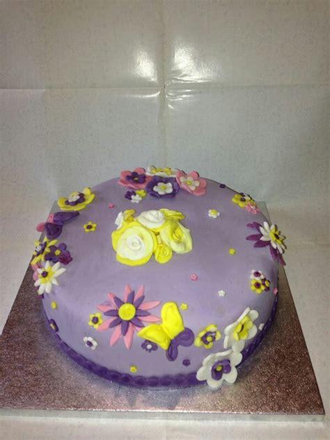 torte con fiori oltre 25 fantastiche idee su torta decorata con fiori su