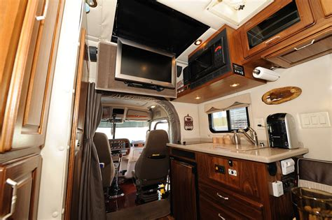 Inside Of An 18 Wheeler Sleeper by Custom Peterbilt Sleeper Interiors Copyright 169 2010 10 4