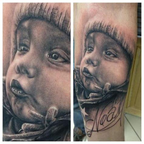 tattoo arm kinder arm realistische kinder tattoo von vicious circle tattoo