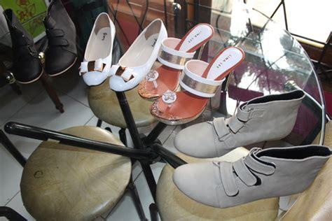 538lud Sepatu Wedges Casual Formal Perempuan Wanita Cewek Hak 5 Cm sepatu produk partner pesanan pada tanggal 1 juni 2014