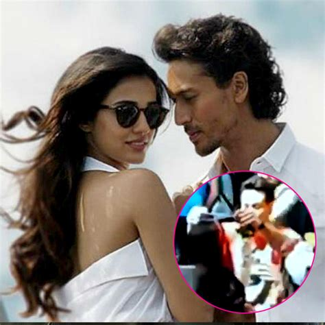 Disha Set 2 In 1 crowd goes berserk on baaghi 2 sets seeing tiger shroff