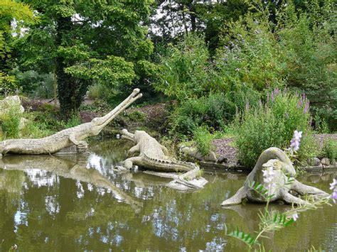 palace dinosaur park teleosaurus and plesiosaurus - Wandle Kristall
