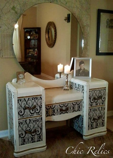 Upcycled Vanity Table 25 Best Upcycled Vintage Ideas On Pinterest