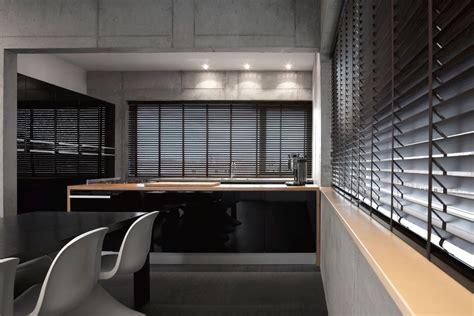 horizontale jaloezieen hout zwart houten jaloezie 235 n op maat gemaakt zonnelux