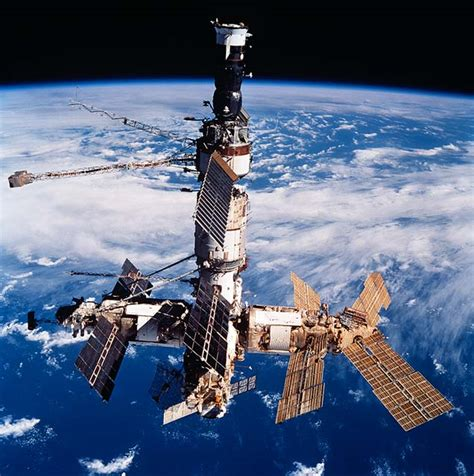 Nasa Space Pictures by Shuttle Mir History Multimedia Photos Sts 86