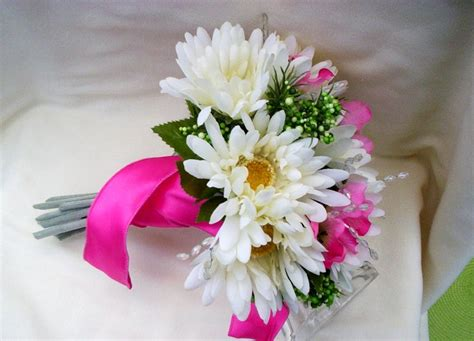 Pictures Flowers For Weddings by Most Popular Wedding Flowers Flowers Magazine