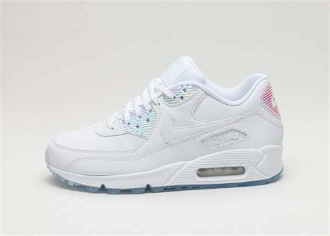 Sepatu Sneakers Nike Air 1 Hologram nike wmns air max 90 prm white holographic 1 shoes news wmns air max 90