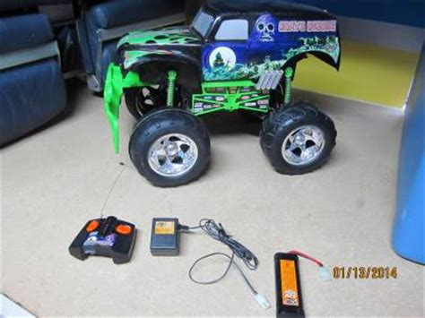 tyco rc grave digger truck grave digger 2003 sfx motor tyco rc remote