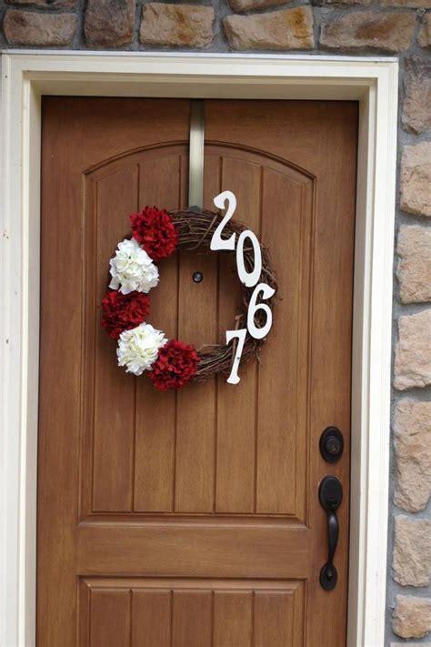 door wreath super easy   joannfabrics