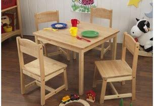 kidkraft farmhouse table 4 chairs 21421 kidkraft farmhouse table w four chairs in free