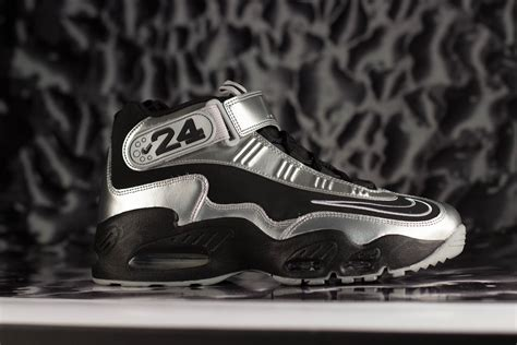 nike usa imagenes nike air griffey max 1 quot metallic silver quot
