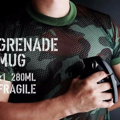 Gelas Mug Model Granat Tangan gelas mug model granat tangan black jakartanotebook