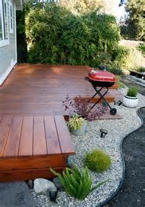 Small Backyard Deck Ideas by 25 Best Ideas About Small Backyard Decks On