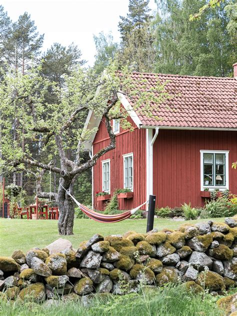 Sweden Cottages by The Ultimate Swedish Cottage Painted In Falu Style