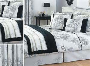 double bedding sets with curtains curtains home design