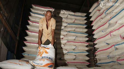 Karung Bulog Surabaya harga sembako di sleman masih stabil tribunnews