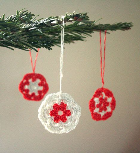 crochet ornaments 28 crochet yule decorations you can make in one evening books 10 free crochet ornament patterns